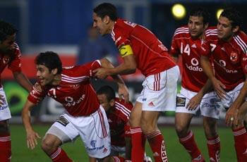 لاعبو الأهلي يتحدثون عن أفريقيا والجماهير المصرية في المملكة وتلاحم الأشقاء 26590-ahlyteam_40