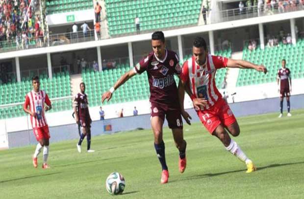 الوداد يقترب خطوة من لقب الدوري المغربي بالفوز على أغادير