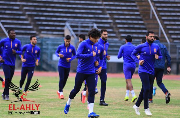 0e5ee72332fbc وصلت بعثة الفريق الأول لكرة القدم بالنادي الأهلي صباح يوم الأحد إلى القاهرة  قادمة من جنوب افريقيا بعد خوض مواجهة صن داونز في دوري ابطال افريقيا.